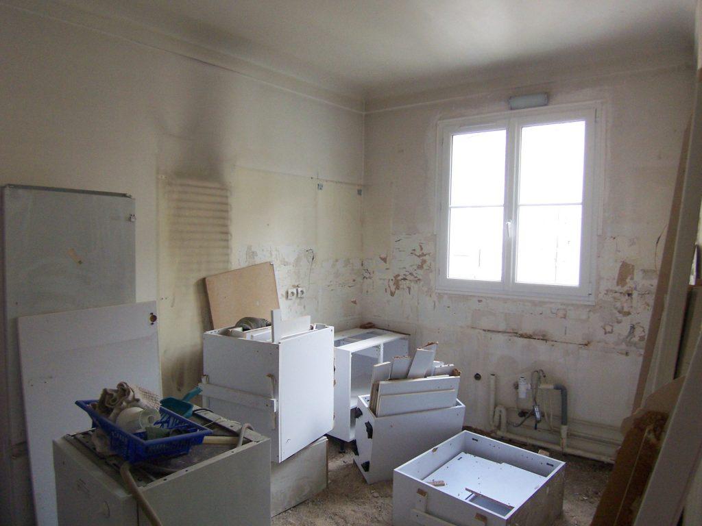 L'ancienne cuisine qui va devenir une chambre