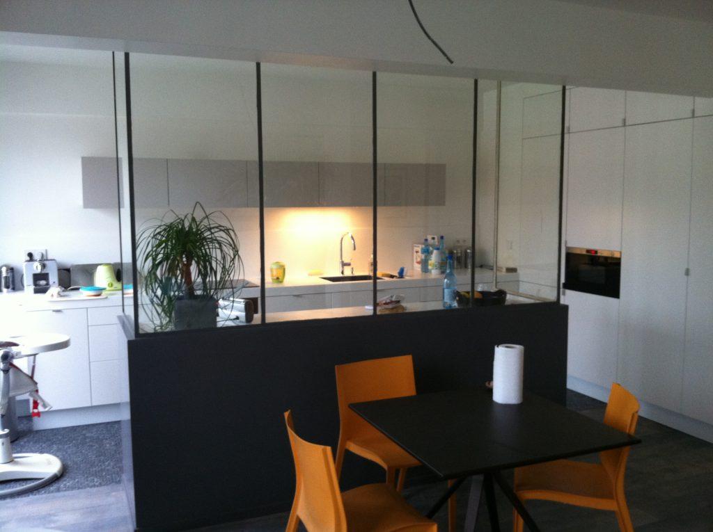 Création d'une verrière entre une cuisine et une salle à manger