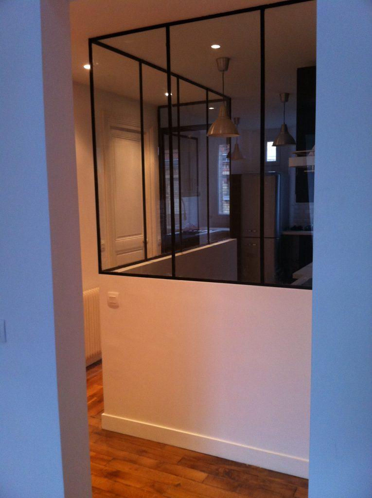 Création d'une verrière entre un couloir et une cuisine