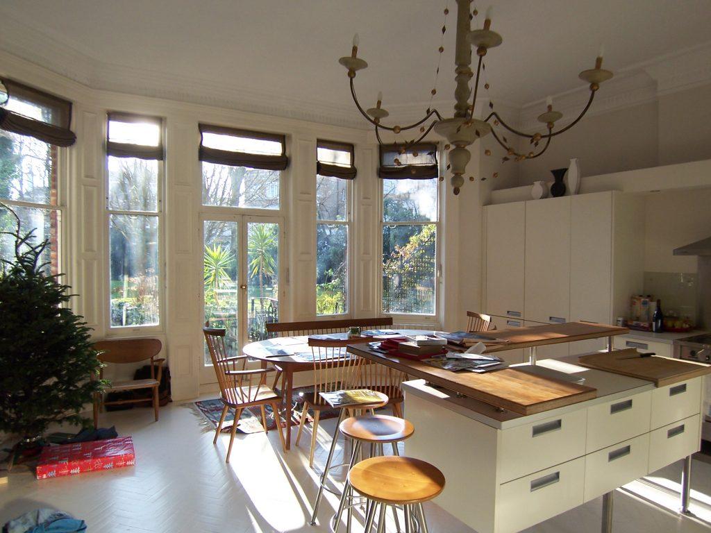 Rénovation de la peinture d'une cuisine / salle-à-manger