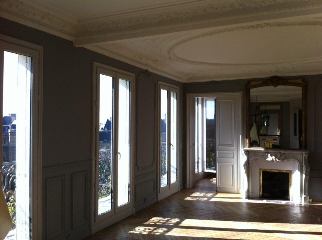 Rénovation des peintures dans le salon